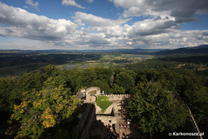 Kotlina Jeleniogórska - widok z wieży Zamku Chojnik